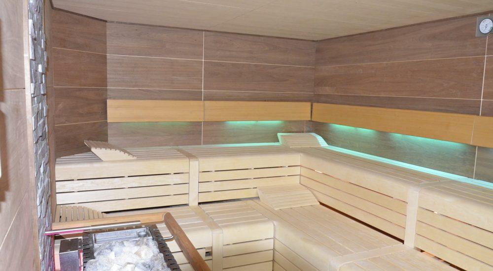 Gewerbliche Sauna mit Platten 1